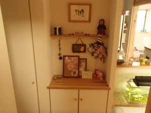 廊下の一角に手作りの飾り